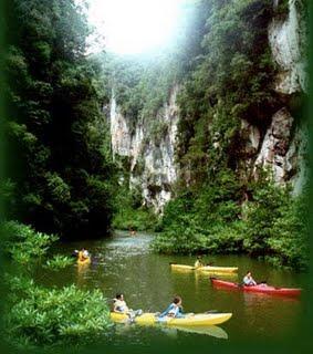 Bor Thor & Thum Pee Hua Tho Cave