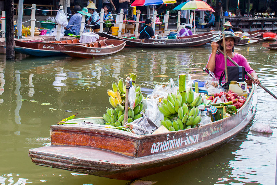 Weekend Half day Floating Market at Ampawa